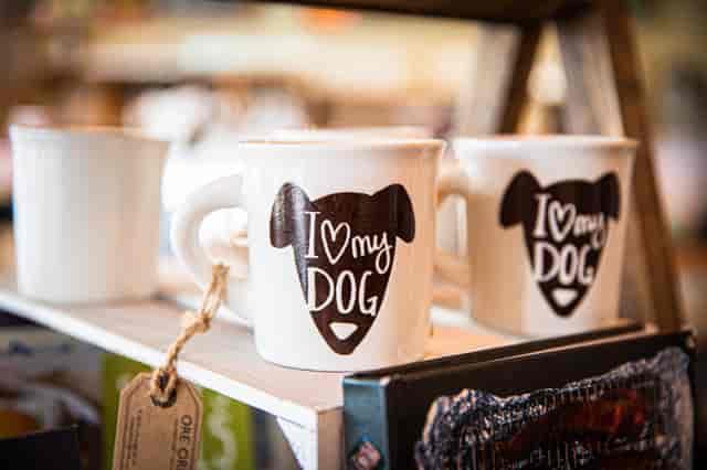 Mug that says I love dogs