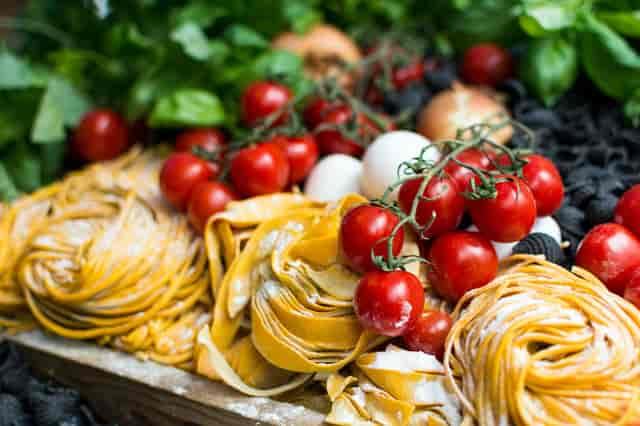 fresh pasta, tomatoes, basil