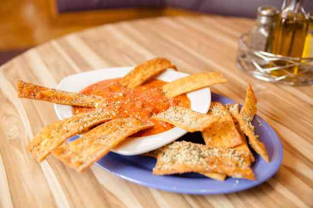 fried cheese sticks and marinara sauce