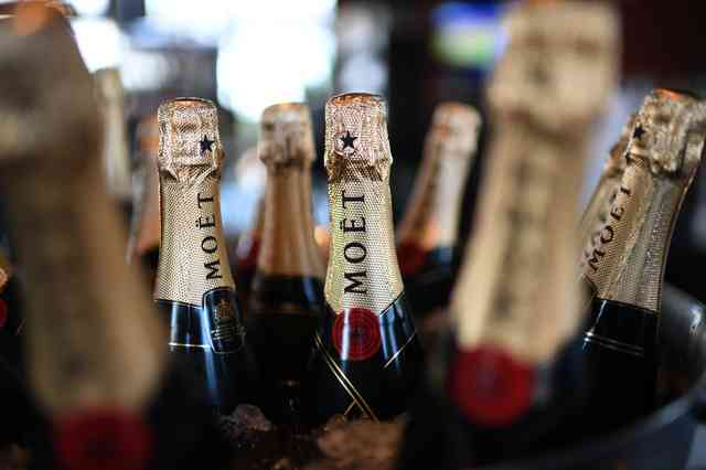 champagne station