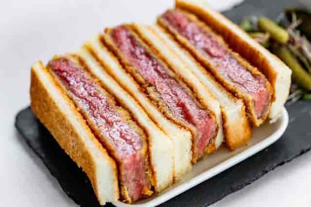 bacon sandwich