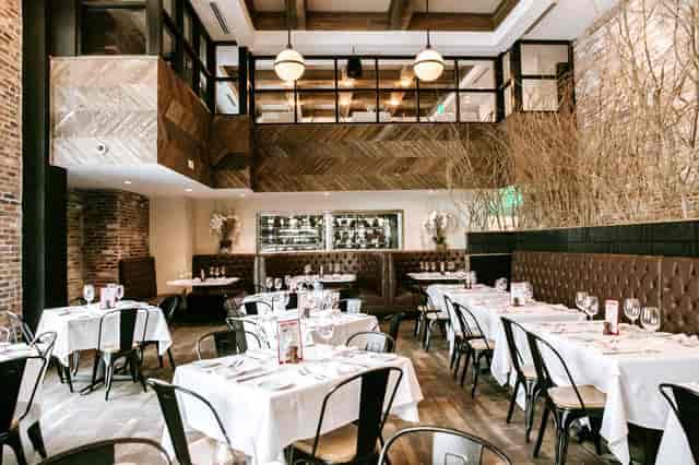 B&B Fort Worth dining room