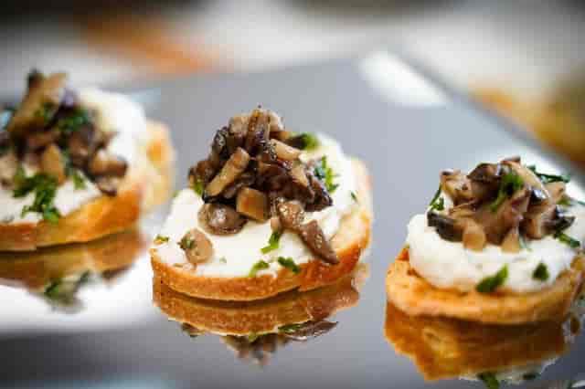 crostini with mushroom