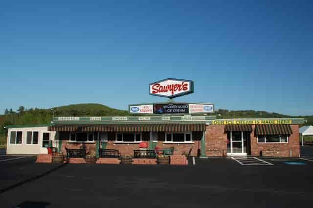 exterior of sawyers restaurant
