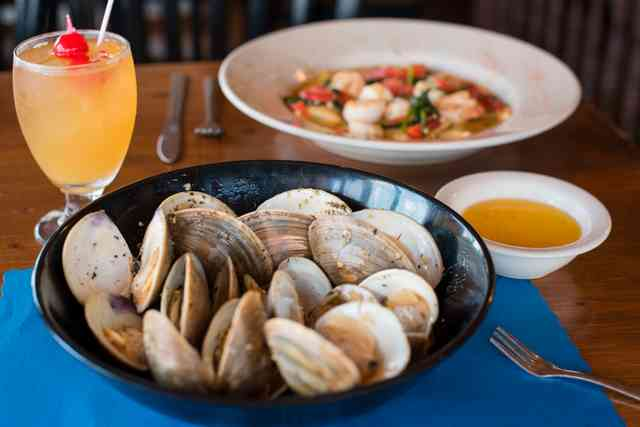 clams with drink