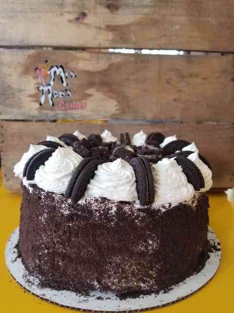 Oreo overload icecream cake