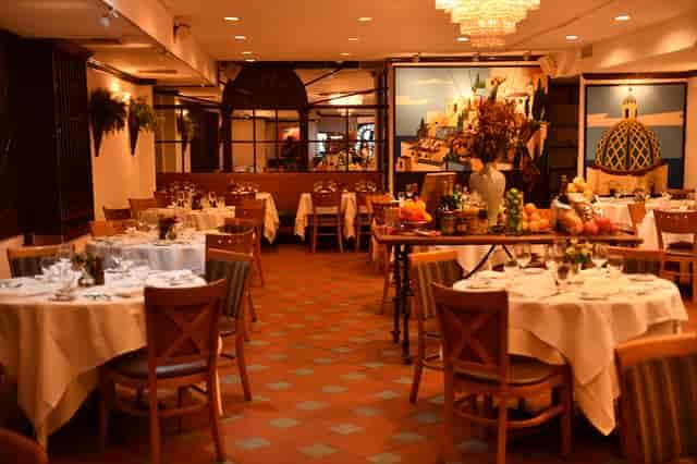 restaurant dining space