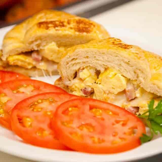 croissant egg sandwich