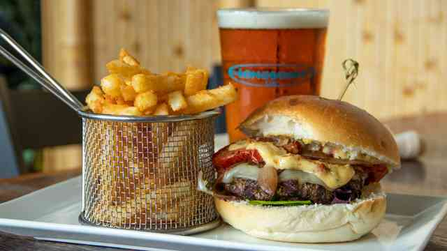 santa lucia burger