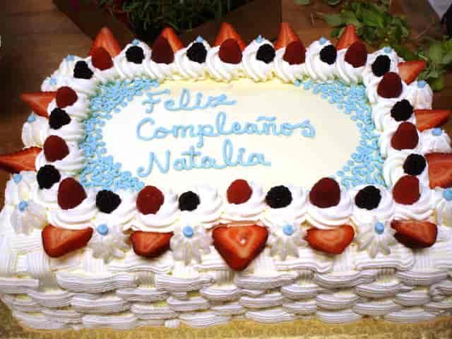 Feliz Compleanos cake