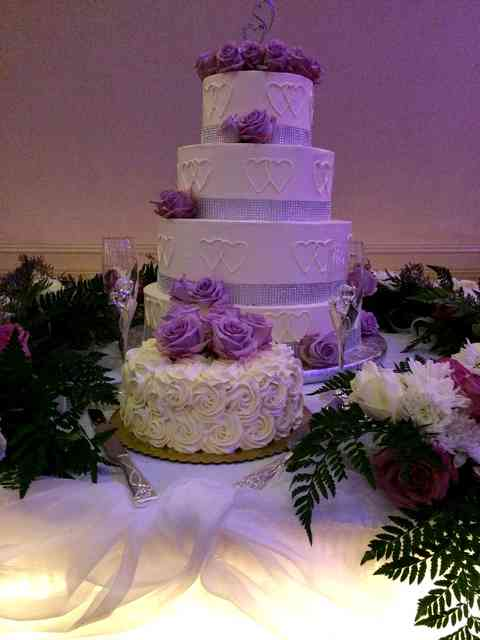 cake with purple roses