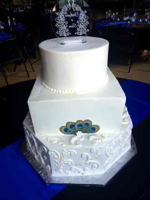 white 3 tier cake