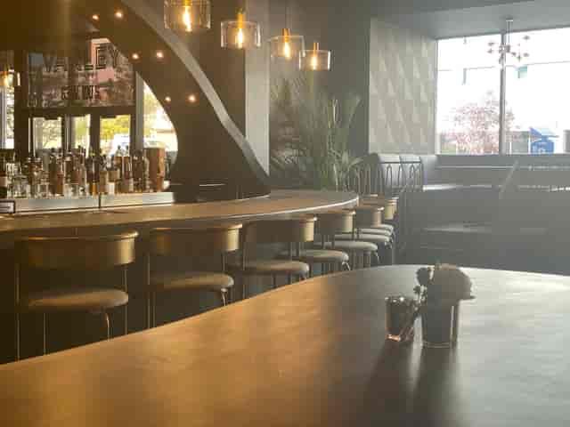 Varley Bar