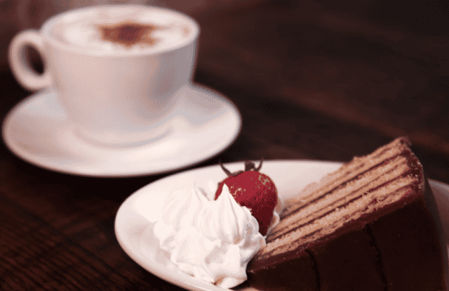 chocolate fudge icing -cake