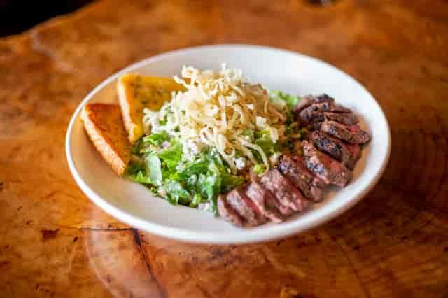 gorgonzola steak salad