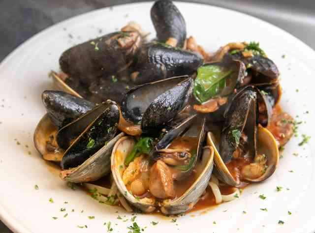 Clams & Mussels Italian