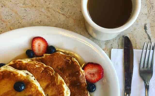 pancakes and cofee
