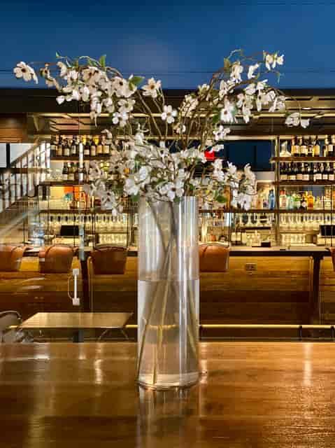 Bar w Flower