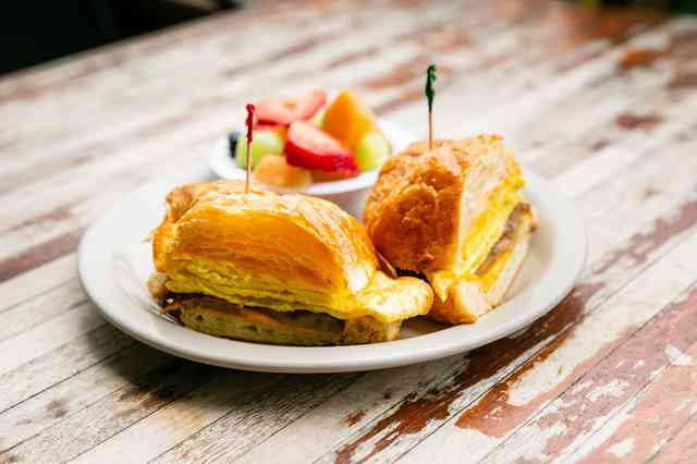 croissant sandwich with fruit