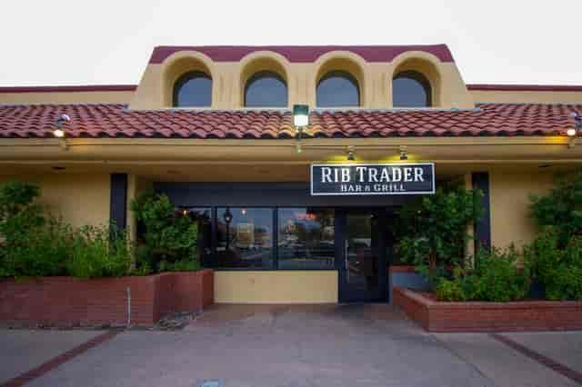 rib trader outside