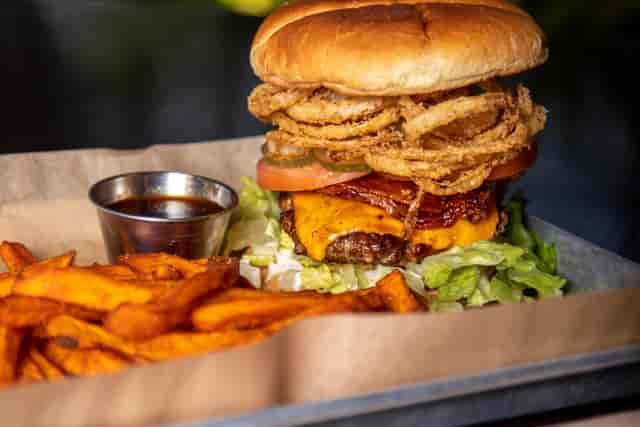trader burger