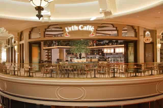 Beautiful Urth Wynn Las Vegas curved entrance on second story of the Wynn Plaza
