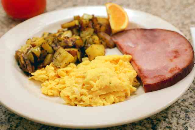Ham and eggs with potatoes