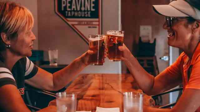 Peavine Taphouse Eats & Beats Provides Family-Friendly Dining, Pizza Delivery and Pickup, Entertainment, and Artisan Coffee from Coffeebar