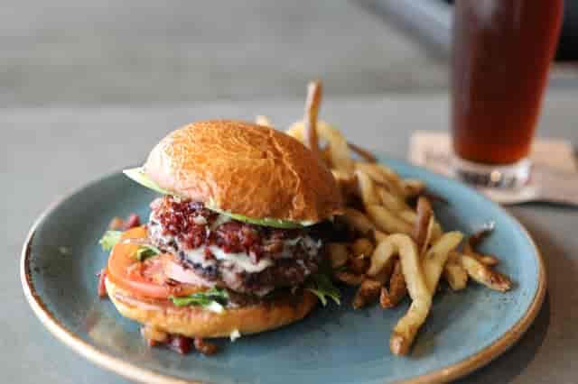 Tahoma Burger