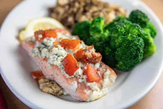 Gorgonzola Salmon with Tomato & Dill
