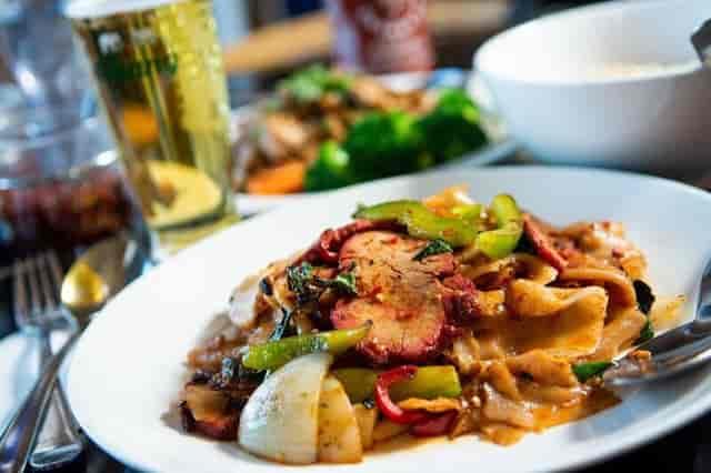 food moo dang thai