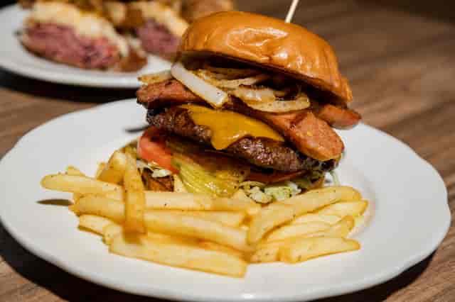 Hot Link Burger