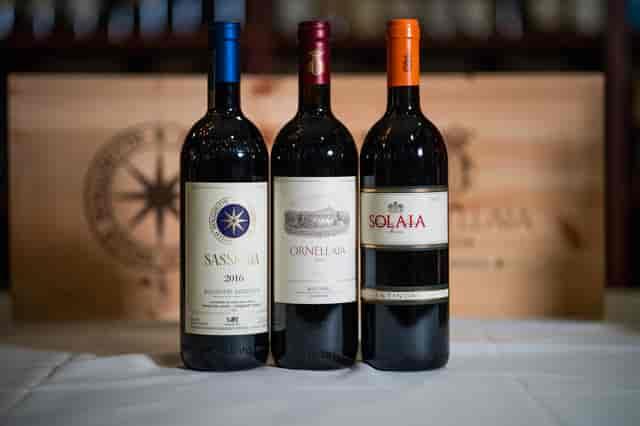 italy 1 wine bottles