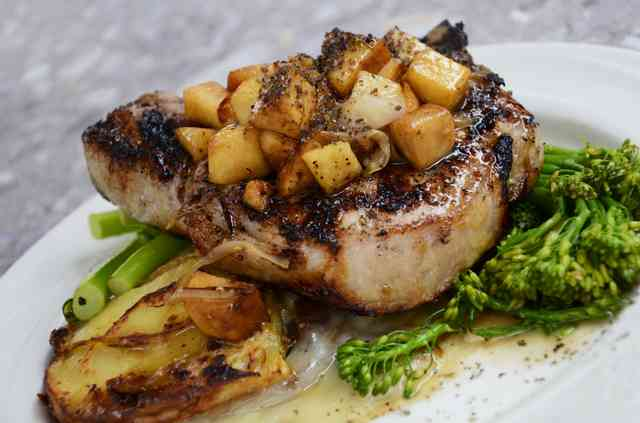 steak and veggies plate