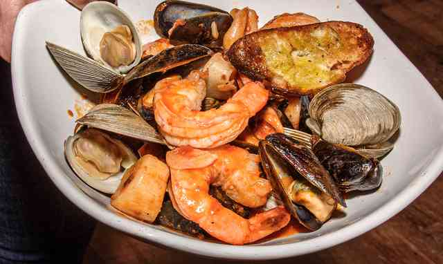 steamed shrimp, mussels and clams