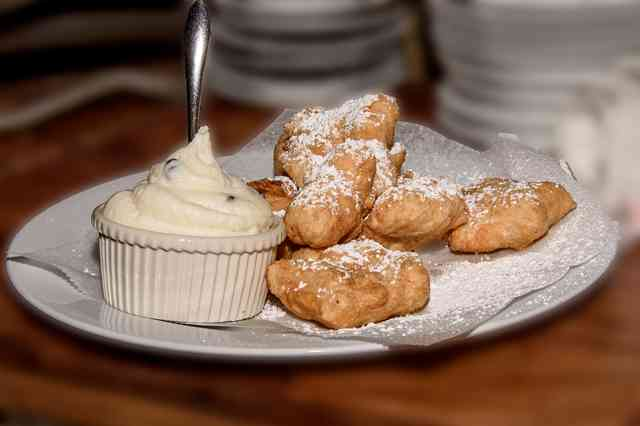 fried dough with canoli filling