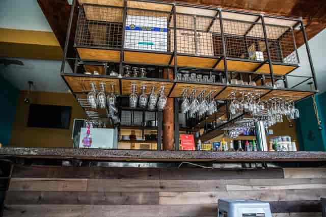 wine rack and wine glasses