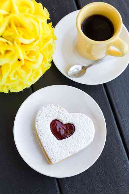 linzer tart and coffee