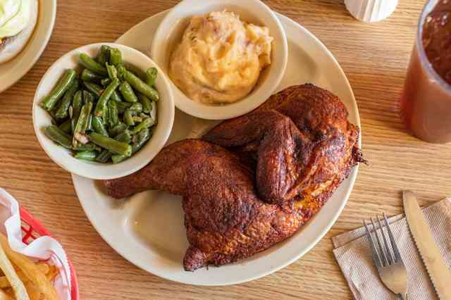 BBQ Chicken, Green Beans, Mashed Potatoes