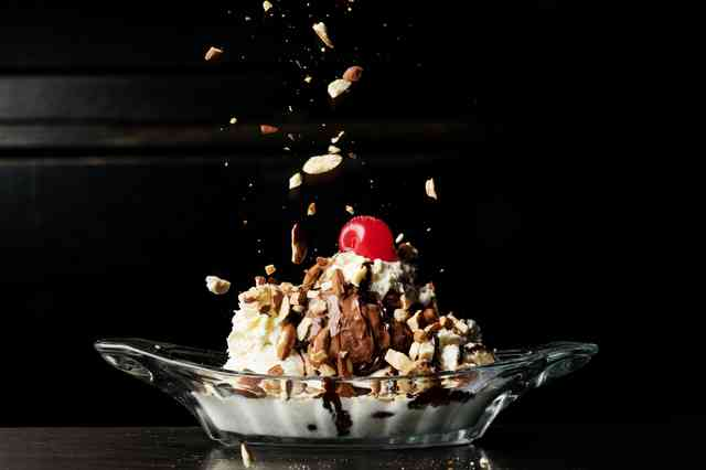 Hank's Sundae - Vanilla, Chocolate, Peanut Butter Ice Cream, Caramel Brownie Bar
