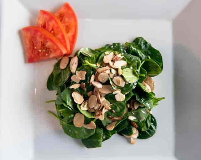 almond spinach salad