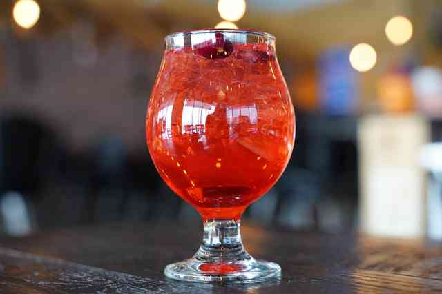 sparkling apple drink