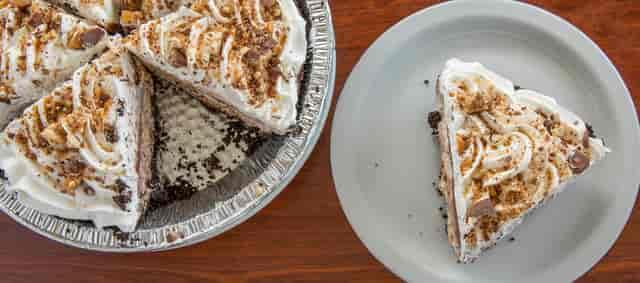 Snickerbar Pie