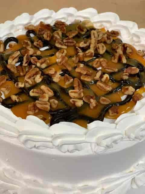 Turtle Sundae Cake