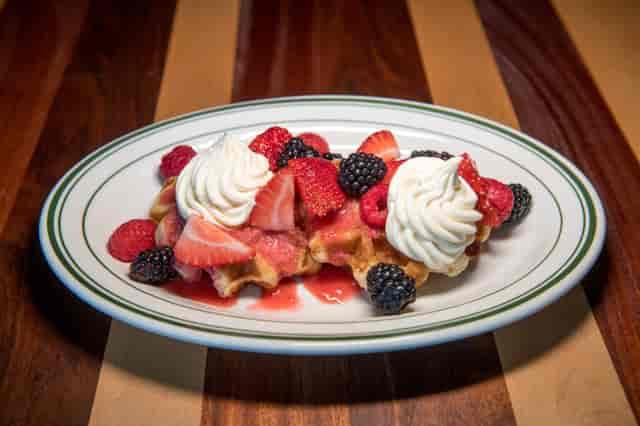 waffles & berries