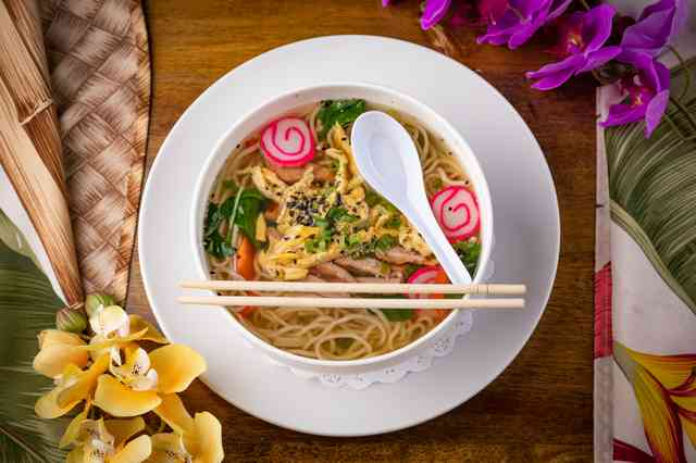 Noodle, vegetable, and broth bowl
