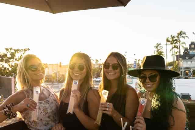 girls popsicles