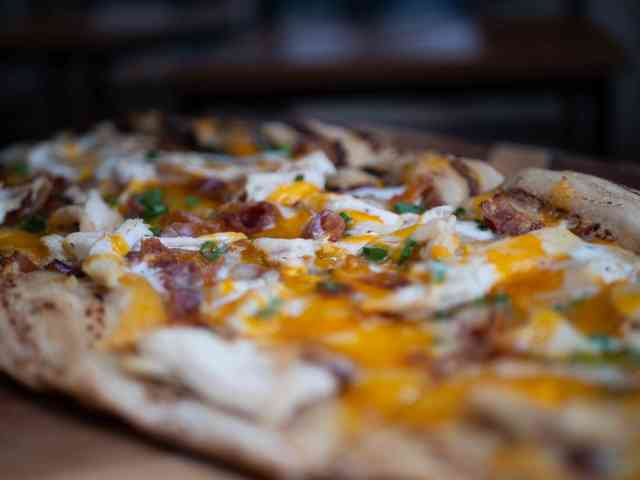 chicken bacon ranch flatbread