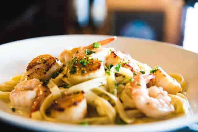 shrimp and scallop fettuccini