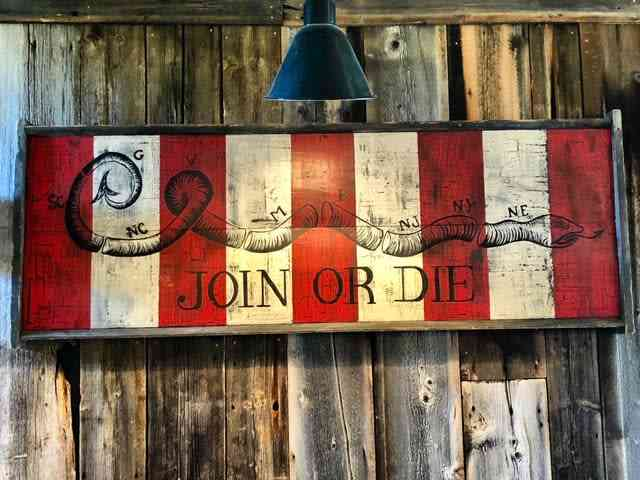 join or die sign